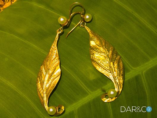 aretes hojas y perlas oro